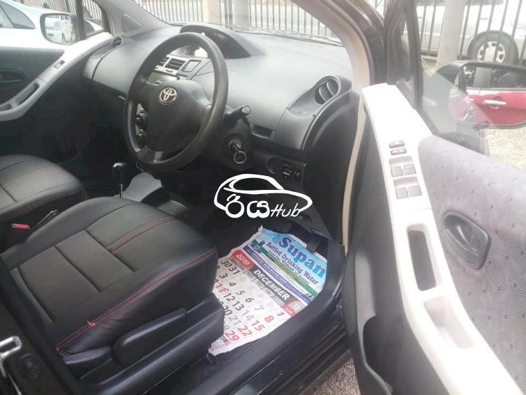 Toyota Vitz RS 2009 Car, riyahub.lk