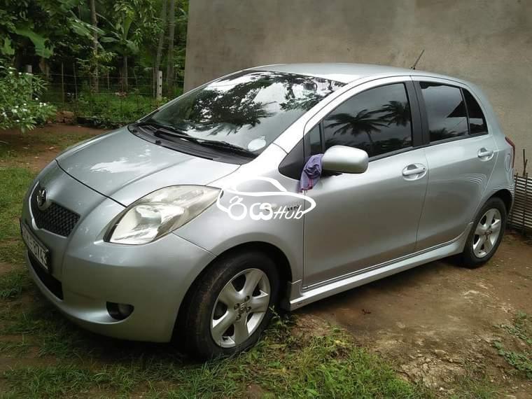 Toyota Yaris 2007 Car, riyahub.lk