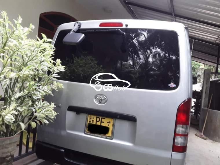 Toyota KDH 2006 Van, riyahub.lk