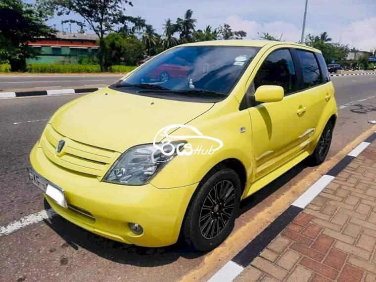 Toyota IST FL 2003 Car, riyahub.lk