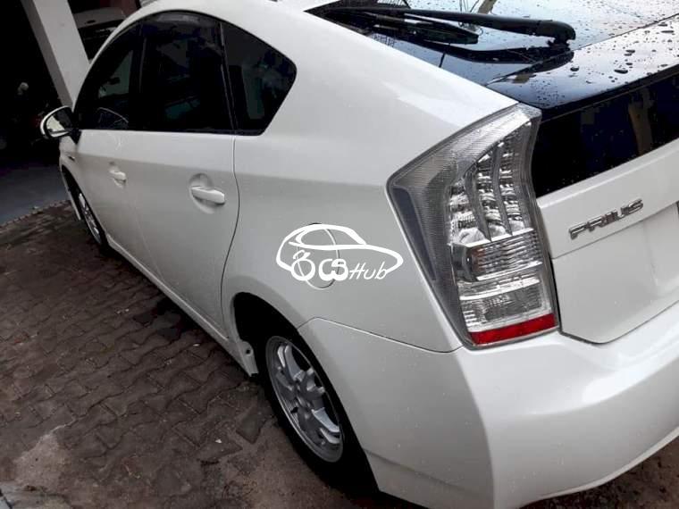 Toyota Prius S Grade 2011 Car, riyahub.lk