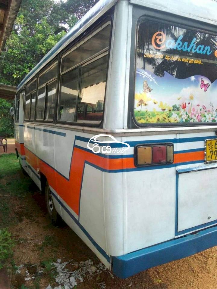 Mitsubishi Eicher 1990 Bus, riyahub.lk