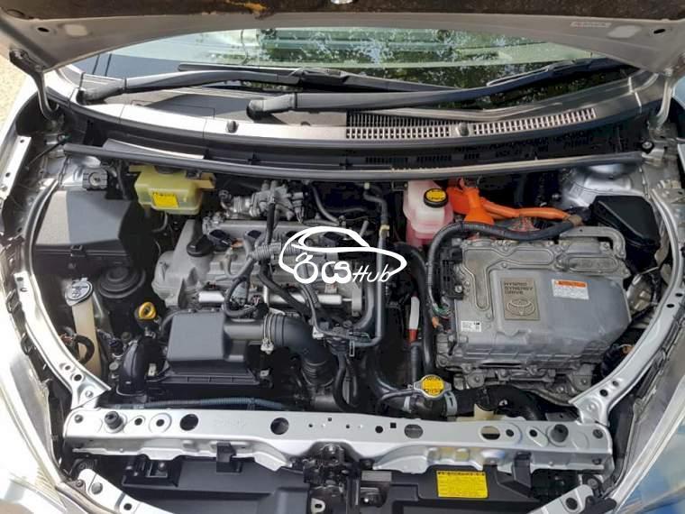 Toyota Aqua 2014 Car, riyahub.lk