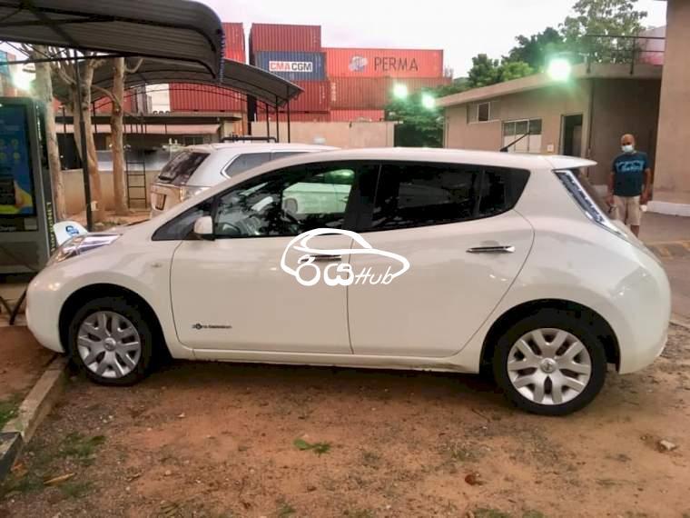 Nissan Leaf AZE0 2013 Car, riyahub.lk