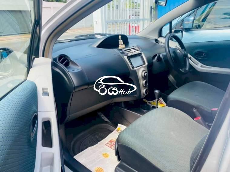 Toyota Vitz 2007 Car, riyahub.lk