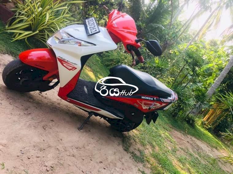 Honda Dio 2016 Motorcycle, riyahub.lk