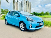 Toyota Aqua S Limited 2013 Car - Riyahub.lk