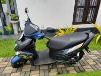 Yamaha Ray ZR 2019 Motorcycle - Riyahub.lk